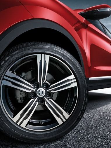 MG ZS Red Wheel